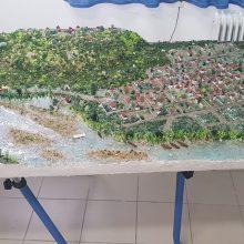 kozan.gr: Μακέτα, που κατασκεύασαν μαθητές του ΕΠΑΛ Φλώρινας και δείχνει την Νεράιδα του Δήμου Σερβίων στην παλαιά της θέση, θα εγκατασταθεί μόνιμα στο χωριό