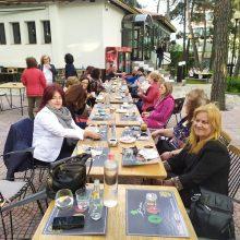 """kozan.gr: Κοζάνη: Τα μέλη του συλλόγου """"Φίλοι της Παράδοσης"""" συναντηθήκαν στο cafe – bar """"Άλσος"""" στον Αγ. Δημήτριο για να πουν καλό καλοκαίρι και να δώσουν ραντεβού, για τις νέες δράσεις του συλλόγου, από το Σεπτέμβριο"""