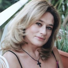 kozan.gr: Xύτρα ειδήσεων: H Γωγώ Ατζολετάκη, ηθοποιός, συγγραφέας, σκηνοθέτης και μεταφράστρια θεατρικών έργων, είναι ένα από τα πρόσωπα που κατέθεσαν αίτηση για τη θέση του Καλλιτεχνικού Διευθυντή του ΔΗΠΕΘΕ Κοζάνης