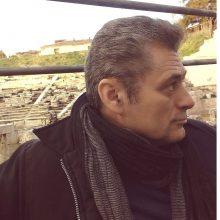 kozan.gr: Xύτρα ειδήσεων: Ο Σταύρος Παρχαρίδης, ένας από τους υποψηφίους για τη θέση του Καλλιτεχνικού Διευθυντή του ΔΗΠΕΘΕ Κοζάνης