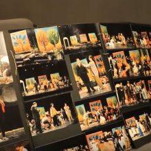 """Το αρχείο της θεατρικής ομάδας """"Ταξιδευτές του θεάτρου""""  παρέδωσε στην Κοβεντάρειο Δημοτική Βιβλιοθήκη Κοζάνης η Γιάννα Γκουτζιαμάνη (Bίντεο)"""