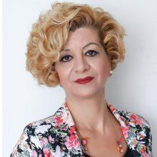 Ολυμπία Τσικαρδάνη: «Αφήνω πάντα ανοιχτά τα μάτια της ψυχής μου και παρακολουθώ τη ζωή συνεπαρμένη, έτοιμη κάθε στιγμή να ακολουθήσω τη μουσική της γραφής» (της Δήμητρας Καραγιάννη)