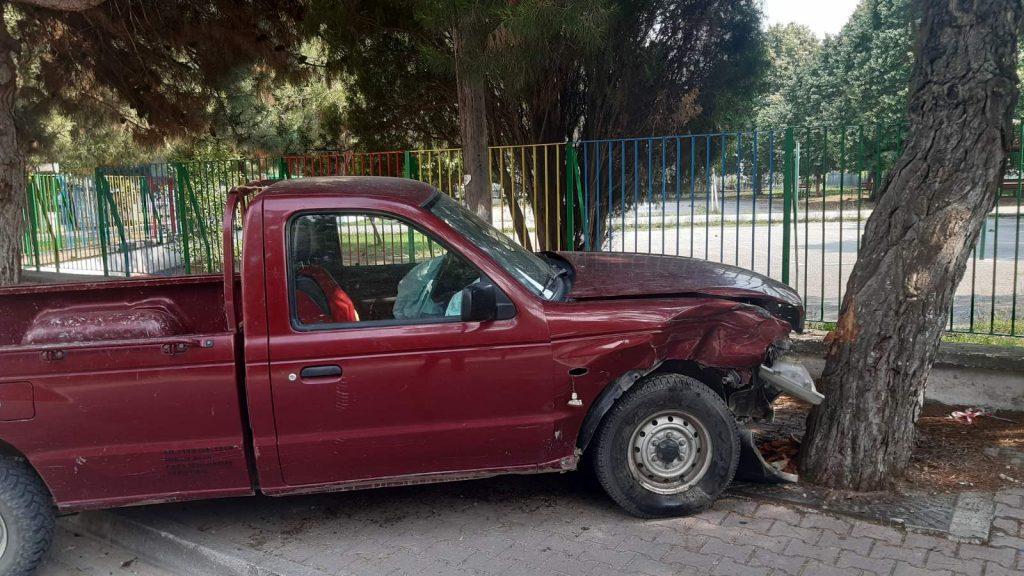 Πτολεμαΐδα: Τροχαίο ατύχημα με πλαγιομετωπική σύγκρουση δύο αυτοκινήτων – Προληπτικά μεταφέρθηκαν στο Μποδοσάκειο νοσοκομείο Πτολεμαΐδας (Φωτογραφίες)