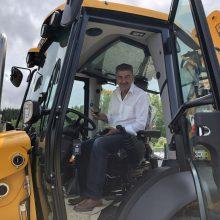 Ακόμη ένα ολοκαίνουργιο μηχάνημα έργου απέκτησε ο Δήμος Γρεβενών μέσα από το πρόγραμμα ΦιλόΔημος