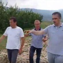 kozan.gr: Tις πληγείσες, από την χαλαζόπτωση, καλλιέργειες, στα Σέρβια και το Βελβεντό, επισκέφτηκε το πρωί του Σαββάτου 8/8, ο Περιφερειάρχης Δ. Μακεδονίας Γ. Κασαπίδης (Βίντεο)