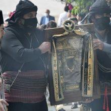 Με μάσκες και αποστάσεις εορτάστηκε ο Δεκαπενταύγουστος στην Παναγία Σουμελά στην Καστανιά (Φωτογραφίες)
