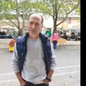 "kozan.gr: Αγανακτισμένος ο πρόεδρος των παραγωγών των κηπευτικών προϊόντων της λαϊκής αγοράς Κοζάνης, Χ. Σαββουλίδης, στο ενδεχόμενο – δεκαήμερου – κλεισίματος της λαϊκής αγοράς Κοζάνης: Εδώ και έξι μήνες είχαμε επισημάνει τα συγκεκριμένα προβλήματα στους υπαλλήλους του τμήματος εμπορίου γιατί εμείς δε μπορούμε να γίνουμε χωροφύλακες, ούτε αγροφύλακες, ούτε αστυνομικοί όπως λέει ο κ. Χαρδαλιάς. Τους επισημάναμε τα 5-6 άτομα που παραβατούν κι επί έξι μήνες δεν έκαναν τίποτα"" (Ηχητικό)"