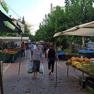 kozan.gr: Κοζάνη: Σημερινές φωτογραφίες από τη διεξαγωγή της λαϊκής αγοράς στην Σκ'ρκα  &  τα Ηπειρώτικα – Τήρηση των μέτρων κι αποστάσεις από πάγκο σε πάγκο