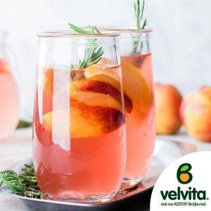 Ετοιμάστε δροσιστική λεμονάδα με ολόφρεσκα κομμάτια από ροδάκινα #velvita