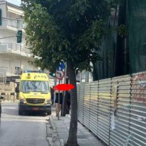 kozan.gr: Αναίσθητος ηλικιωμένος (81χρονος) στην οδό Γκερτσού στην Κοζάνη – Μεταφέρθηκε με ασθενοφόρο του ΕΚΑΒ στο Μαμάτσειο νοσοκομείο Κοζάνης (Φωτογραφία)