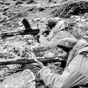 Γράμμος – Βίτσι, Αύγουστος 1949. Ο εμφύλιος σπαραγμός τελειώνει με ήττα του Δημοκρατικού Στρατού. Από τις 24 έως τις 30 Αυγούστου η επιχείρηση «Πυρσός Γ΄» «έβαλε φωτιά» στο Γράμμο