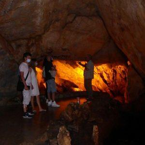 Με πολλούς επισκέπτες επαναλειτουργεί εδώ και λίγες μέρες  το εντυπωσιακό Σπήλαιο Δράκου στην Καστοριά