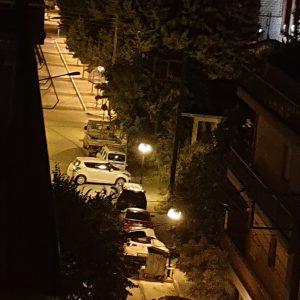 "kozan.gr: Πτολεμαίδα: ""Ξεπάρκαραν"" με τα χέρια τους ένα αυτοκίνητο …έτσι, γιατί δεν είχαν τι να κάνουν! (Φωτογραφία)"