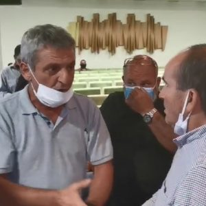kozan.gr: Η προσπάθεια του Κ. Κυριακίδη να ηρεμήσει τους κατοίκους του Μαυροδενδρίου (Βίντεο)