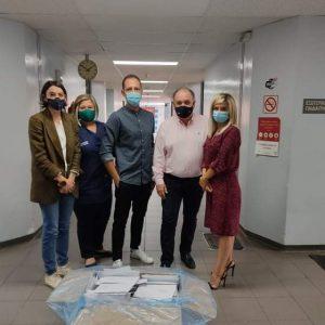 Το παράρτημα της Ελληνικής Αντικαρκινικής Εταιρείας Ν. Κοζανης παρέδωσε την Τρίτη 22/09, 1500 μάσκες στην Ογκολογική πτέρυγα του Γ.Ν. Μποδοσακειο Πτολεμαΐδας