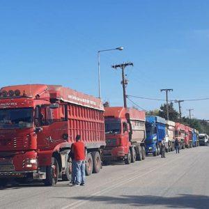 Κλιμακώνονται οι κινητοποιήσεις των φορτηγών με τη συμμετοχή όλων των εργολάβων και φορτηγών που εργάζονται στα ορυχεία