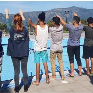 Έφτασαν στο Βελβεντό οι πρώτοι 51 ασυνόδευτοι ανήλικοι πρόσφυγες