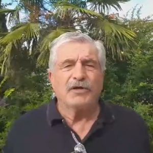 kozan.gr: Ο πρώην Δήμαρχος Σερβίων – Βελβεντού Α. Κοσματόπουλος ισχυρίζεται ότι η φιλοξενία των προσφυγόπουλων δεν θα έπρεπε να είναι κεραυνός εν αιθρία, όπως αφέθηκε να εννοηθεί από τη Δημοτική Αρχή Bελβεντού αλλά κάτι αναμενόμενο αφού, όπως λέει, ήταν γνωστό σε όλη την τοπική κοινωνία  ότι κάποια στιγμή θα ερχόντουσαν -Κατηγορεί τη Δημοτική Αρχή ότι, στο συγκεκριμένο θέμα, είναι εντελώς απούσα ενώ ο κόσμος δεν είναι μόνο μουδιασμένος, αλλά αγανακτισμένος κι εξοργισμένος – Η αόριστη, με υπονοούμενα, δήλωσή του σε συμφέροντα (Βίντεο)