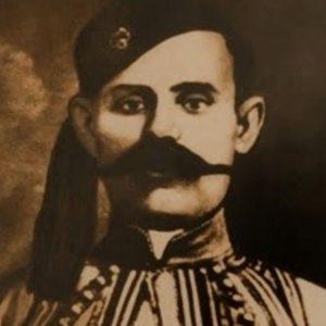Καπετάν Κώττας. Σκότωσε τον Τούρκο Νουρή μπέη και τον εισπράκτορα Ταχήρ. Πρωταγωνίστησε στον Μακεδονικό Αγώνα, τον έπιασαν με προδοσία και κλώτσησε μόνος του το υποπόδιο της κρεμάλας…