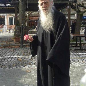 Έφυγε από τη ζωή ο πρωτοπρεσβύτερος του Βελβεντού Χαρίσιος Πιτσιάβας
