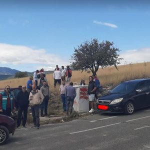"kozan.gr: Χύτρα ειδήσεων: Εννιά μέρες μετά και κανένας από τους 4 βουλευτές της ΝΔ, στην Π.Ε. Κοζάνης, όχι μόνο δεν ""πάτησε"" αλλά ούτε επικοινώνησε, με τους επαγγελματίες ιδιοκτήτες φορτηγών Δημόσιας Χρήσης, που συνεχίζουν τον αγώνα τους"