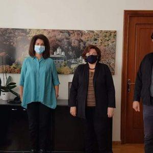 Koζάνη: Συνάντηση εκπροσώπων συλλόγων με την Αντιπεριφερειάρχη Οικονομικών Γιούλα Γκατζαβέλη