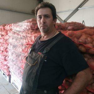 Καστοριά: Στο ethnos.gr ο αγρότης που χάρισε σε απόρους 25 τόνους πατάτας