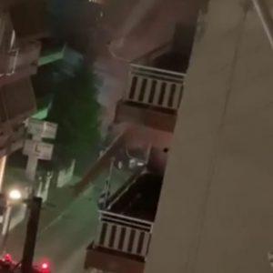 kozan.gr: Πτολεμαΐδα: Αναστάτωση από φωτιά σε διαμέρισμα επί της οδού Γαλιάνης – Άμεση η επέμβαση της πυροσβεστικής, με 3 οχήματα & 7 άντρες, θέτοντας υπό έλεγχο και σβήνοντας τη φωτιά –  Δήλωση διοικητή Πυροσβεστικής Υπηρεσίας Πτολεμαΐδας Χ. Σπυρίδη (Βίντεο)