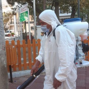 kozan.gr: Ειδικά συνεργεία του Δήμου Εορδαίας, από χθες Σάββατο στα χωριά και σήμερα Κυριακή στην πόλη της Πτολεμαίδας, πραγματοποιούν σε διάφορα σημεία ψεκασμούς απολύμανσης εξωτερικών χώρων (Βίντεο)
