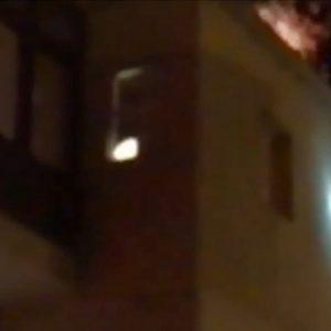 kozan.gr:  Ανάφλεξη σε καμινάδα οικίας επί της οδού Αμμούδας στην Κοζάνη – Άμεση επέμβαση της πυροσβεστικής (Βίντεο)