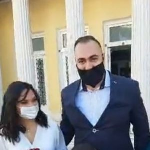 kozan.gr: Πολιτικός γάμος στην εποχή του κορωνοϊού στο Δημαρχείο Κοζάνης – Γαμπρός και νύφη μιλούν γι' αυτή τη σημαντική στιγμή, που πραγματοποιήθηκε κάτω από ιδιαίτερες συνθήκες λόγω πανδημίας  (Βίντεο)