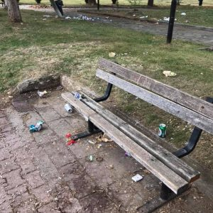 kozan.gr: Πτολεμαίδα: Εικόνες, από το παρκάκι στο Πνευματικό Κέντρο, που προκαλούν θλίψη