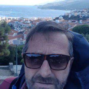 Ο Γιάννης Κουμπούρας από την Κοζάνη που ζει στην Σάμο περιγράφει τις στιγμές του μεγάλου σεισμού στο νησί