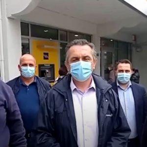 """Γ. Κασαπίδης: """"Θα διακόψουμε τη συνεργασία μας με την Τράπεζα Πειραιώς αν κλείσει το υποκατάστημα Δεσκάτης"""" (VIDEO)"""
