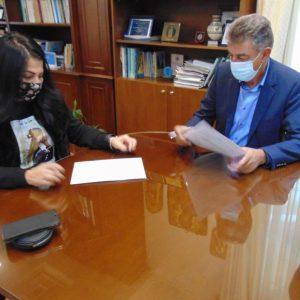Δήμος Γρεβενών: Αναβαθμίζονται ενεργειακά το 4ο και το 5ο Δημοτικό Σχολείο μετά και την υπογραφή της σχετικής σύμβασης