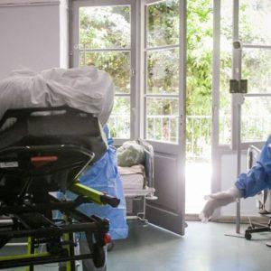 Κορωνοϊός: Είκοσι θύματα τις τελευταίες ώρες – Κατέληξαν στο νοσοκομείο Φλώρινας, ένας 78χρονος και μια 80χρονη