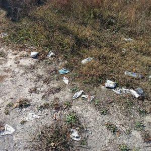 kozan.gr: Σχόλιο και φωτογραφίες αναγνώστη για τα σκουπίδια που είναι πεταμένα πέριξ του δρόμου Αηλιόστρατας – Αγ. Θωμά στην Κοζάνη
