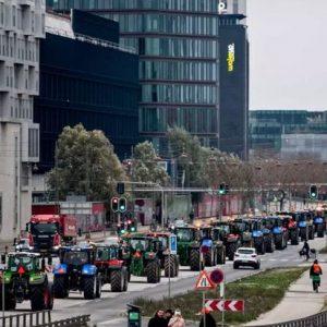 Δανία: Διαμαρτυρία κτηνοτρόφων κατά της θανάτωσης εκατομμυρίων βιζόν λόγω του κορωνοϊού