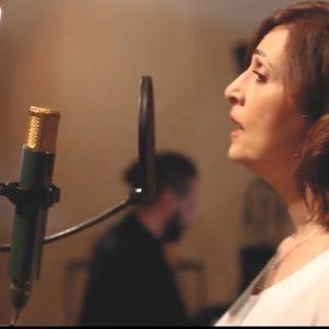 «Κουρασμένες γυναίκες»: Το τραγούδι της Ελένης Πέτα για τη γυναικεία κακοποίηση με πρωτοβουλία του Δήμου Κοζάνης