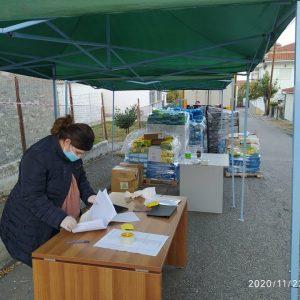 Με επιτυχία πραγματοποιήθηκε η 6η διανομή τροφίμων στα Σέρβια στο πλαίσιο του προγράμματος ΤΕΒΑ