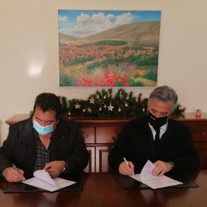 Δήμος Βοΐου: «Υπογραφή Σύμβασης για την συντήρηση και ασφαλτόστρωση του εσωτερικού οδικού δικτύου στον οικισμό του Μικροκάστρου»