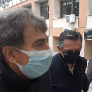 kozan.gr: Ώρα 11:18 π.μ.: Έφτασε στην Κοζάνη και στο κτήριο της Π.Ε. ο Υπουργός Προστασίας του Πολίτη κ. Μιχάλης Χρυσοχοϊδης (Βίντεο & Φωτογραφίες)