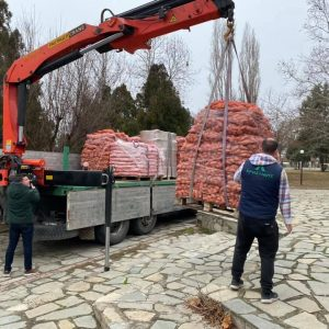 kozan.gr: Πτολεμαΐδα: Ο Όμιλος Χρηστίδη συγκέντρωσε και παρέδωσε τρόφιμα με σκοπό την κάλυψη αναγκών περίπου 700 οικογενειών (Φωτογραφίες)