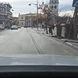 kozan.gr: Ώρα 11:20 – 11:40 π.μ.: Η κίνηση στους δρόμους της Κοζάνης, ανήμερα των Χριστουγέννων (Bίντεο αναγνώστη)