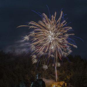 """kozan.gr: Η εκπληκτική, πρωτοχρονιάτικη, φωτογραφία, με τα πυροτεχνήματα, από τα """"κάστρα"""" των Σερβίων"""