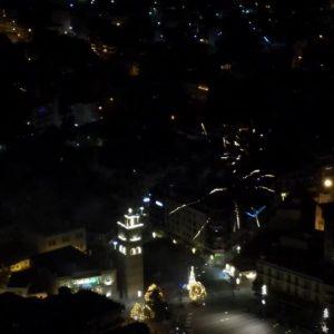 kozan.gr: Βίντεο, της Κατερίνας – Έλλης Βρίκου, από την χθεσινή βραδιά, των πυροτεχνημάτων, στην Κοζάνη