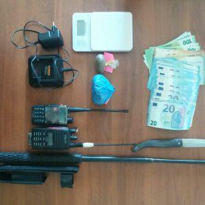 Σύλληψη 22χρονου στα Γρεβενά για παράβαση του νόμου περί όπλων και περί ναρκωτικών (Φωτογραφία)