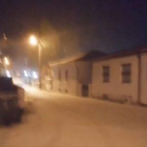 "kozan.gr: Ώρα 21:40: To ""στρώσε"" το χιόνι στην Βλάστη Εορδαίας (Bίντεο)"