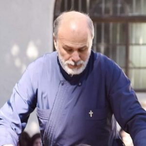 kozan.gr: Έφυγε από την ζωή ο εκπ/κός κι ιερέας της Ελληνικής Κοινότητας Μπλουμφοντέιν στη Ν. Αφρική, π. Γεώργιος Τσιφτσής, από την Καρυδίτσα Κοζάνης