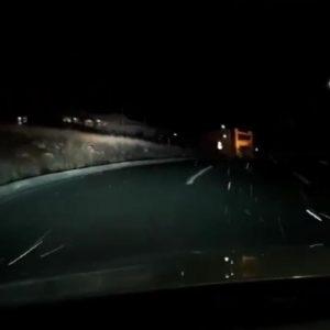 kozan.gr: Αραιή χιονόπτωση στην Κοζάνη  – Βίντεο αναγνώστη, από την περιοχή της ΖΕΠ